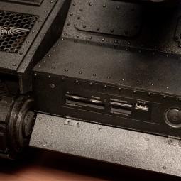 Взгляните на компьютерный корпус в виде танка из Warhammer 40k