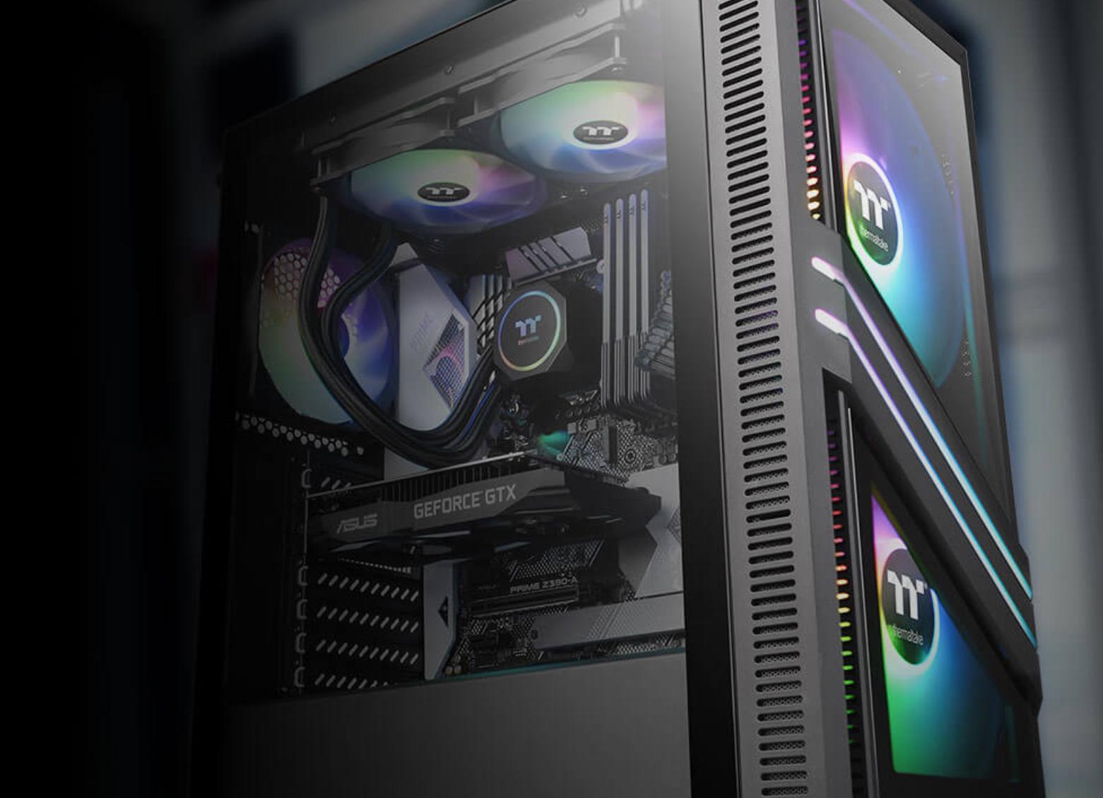 Компания Thermaltake выпустила новейший корпус для геймеров - Versa T35 Tempered Glass RGB