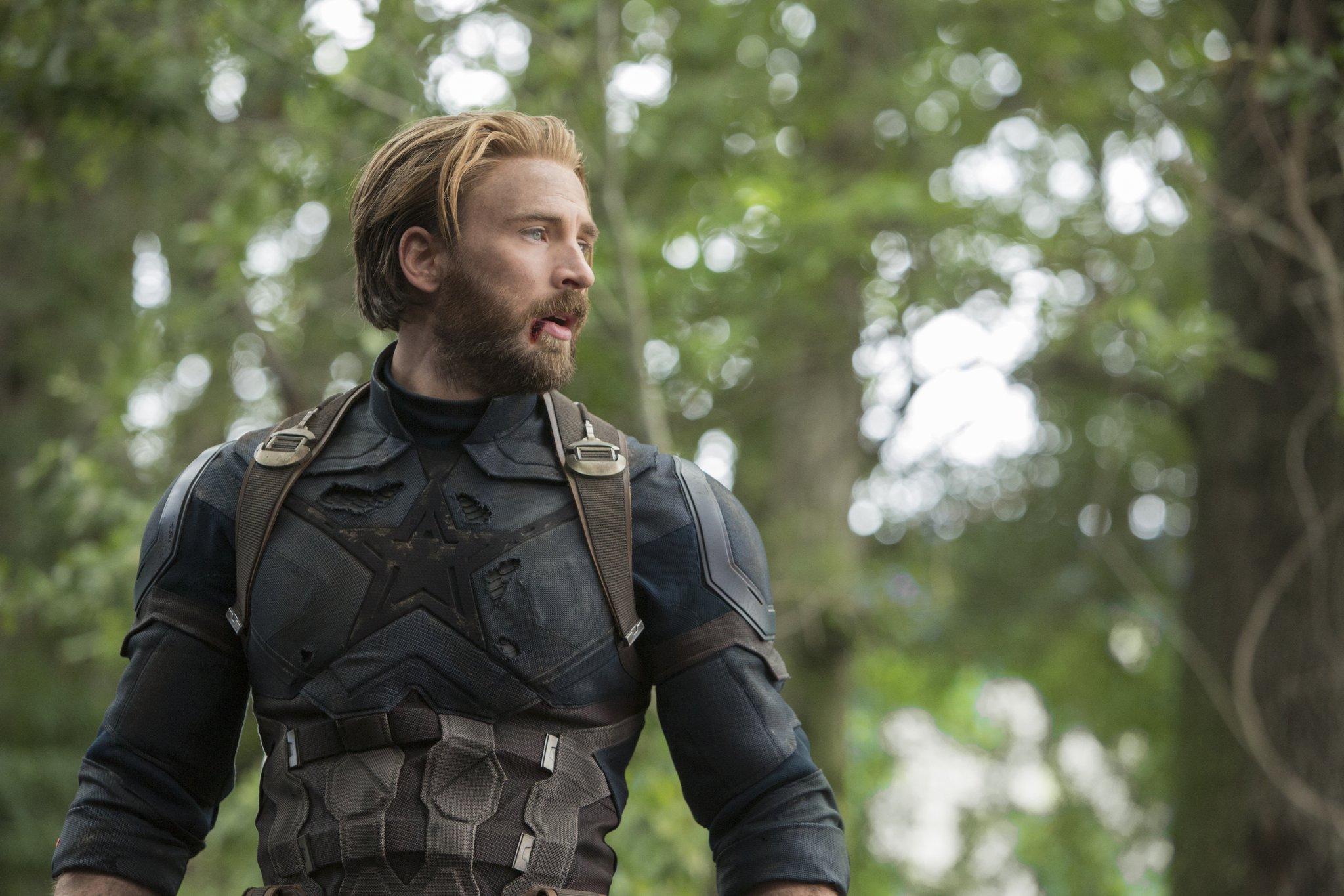 Крис Эванс официально расстался сролью Капитана Америки