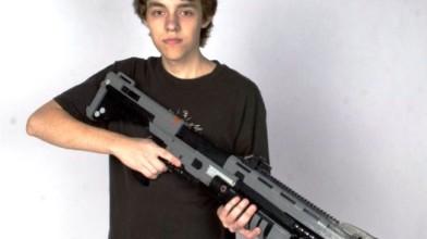 Фанат Halo воссоздал полноразмерную модель ружья M45 с помощью конструктора Lego