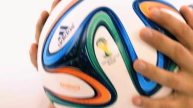 "2014 FIFA World Cup Brasil ""Трейлер мяча Brazuka"""