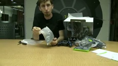 "Halo 4 ""Limited Edition Xbox 360 Console Unboxing"""
