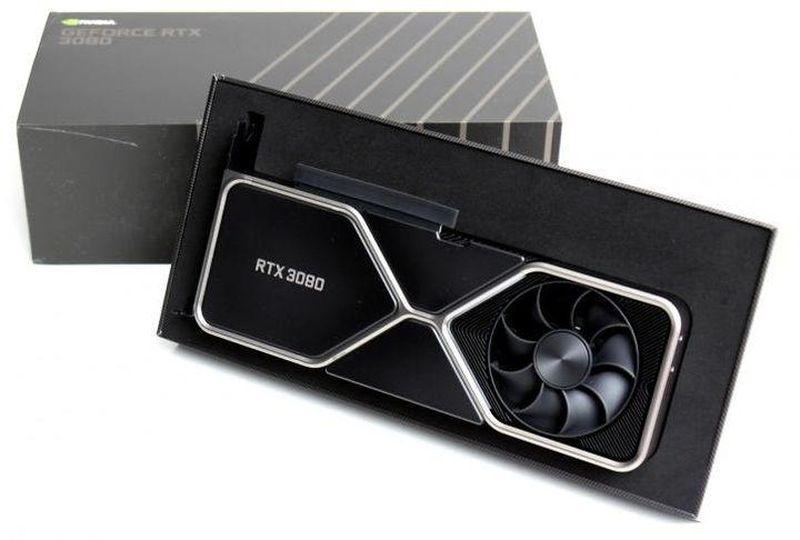 В ожидании первых обзоров RTX 3000. Редакции хвастаются фотографиями
