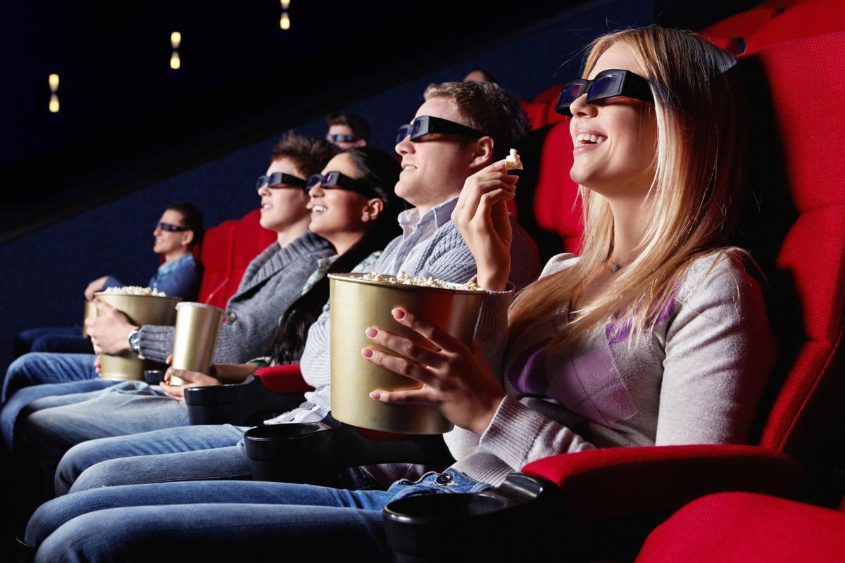 Мединский хочет показывать больше российских фильмов на праздниках