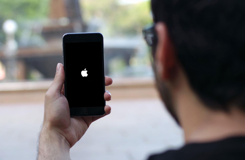 Юзеры поведали о«смерти» iPhone после обновления фейсбук