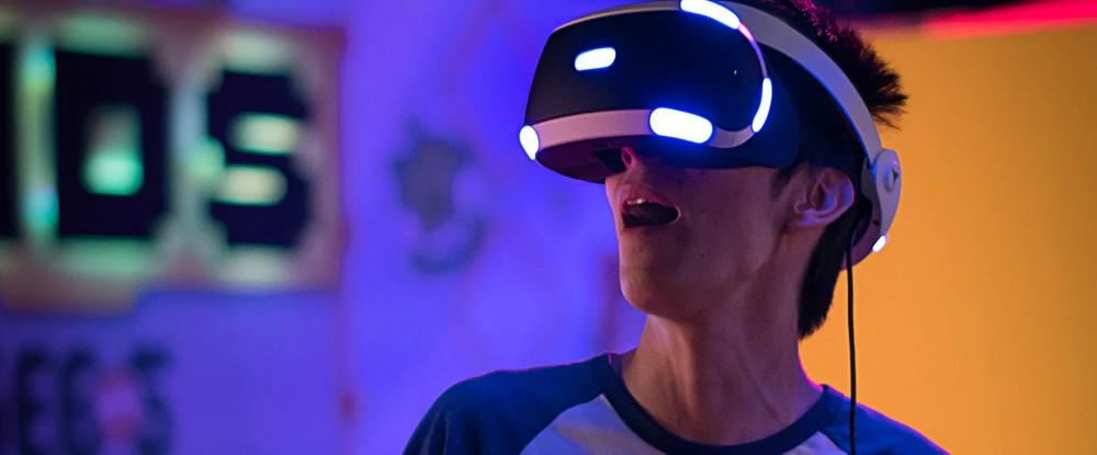 Sony работает над VR-гарнитурой нового поколения