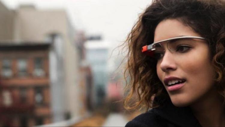«Революционные» очки Google Glass получили первое обновление затри года
