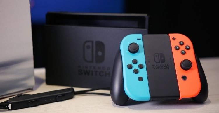 Консоль Nintendo Switch могут уменьшить докарманного формата