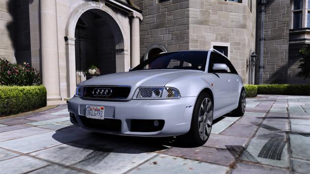 Audi RS4 2001