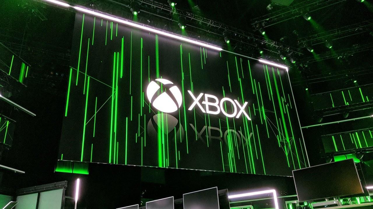 Microsoft напоминает, что они не только консолями едиными богаты, но и PC-геймеров не забывают.