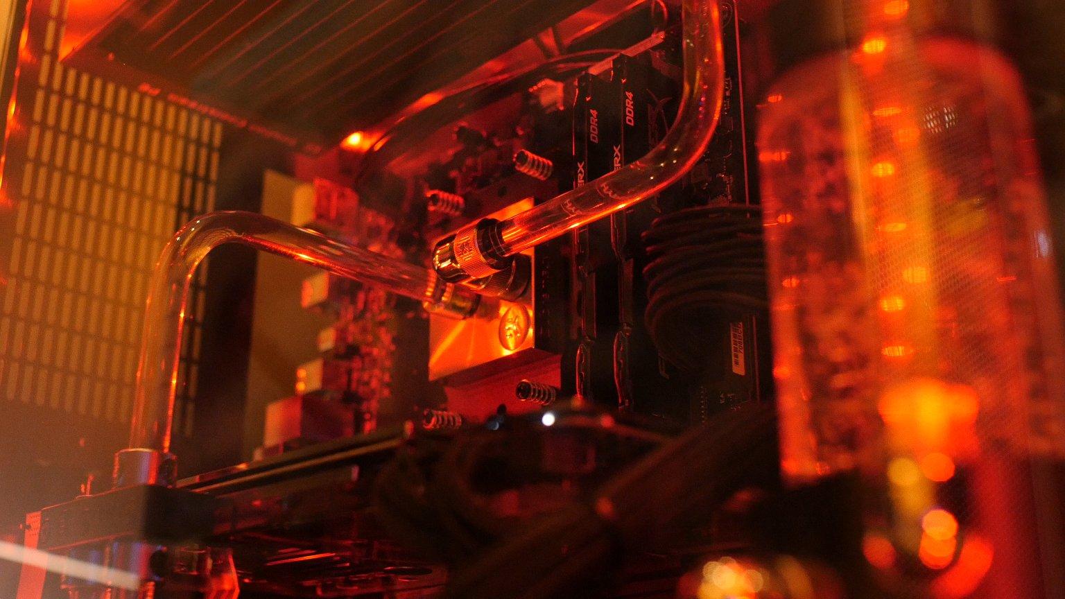 Профессионалы изIntel поделились особенностями 10-нанометрового техпроцесса