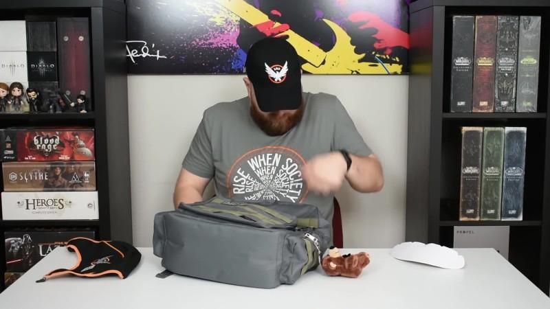 Что скрывает сумка агента? Распаковка рюкзака Tom Clancy's The Division 2