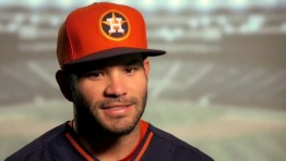 Хосе Альтуве поиграл в MLB The Show 16