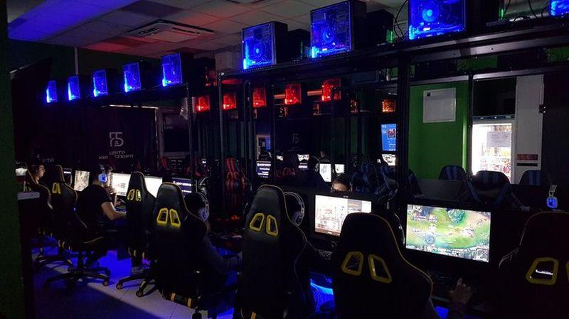 Playground компьютерный клуб москва есть ли ночные клубы в дубае