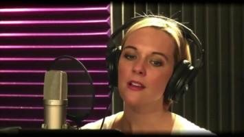 'You Belong To Me' в исполнении Кортни Дрейпер (Элизабет)