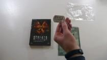 Распаковка подарочного издания S.T.A.L.K.E.R.: Зов Припяти с армейским жетоном