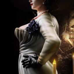 Статная и полностью голая Альсина Димитреску на фигурке по мотивам Resident Evil: Village
