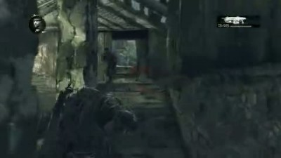 "Gears of War 2 ""Skull-Stomping Multiplayer Gameplay"""