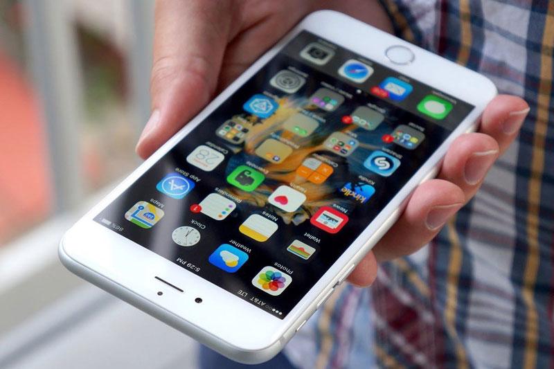 Загрузка апдейтов изApp Store может превратить iPhone в«кирпич»