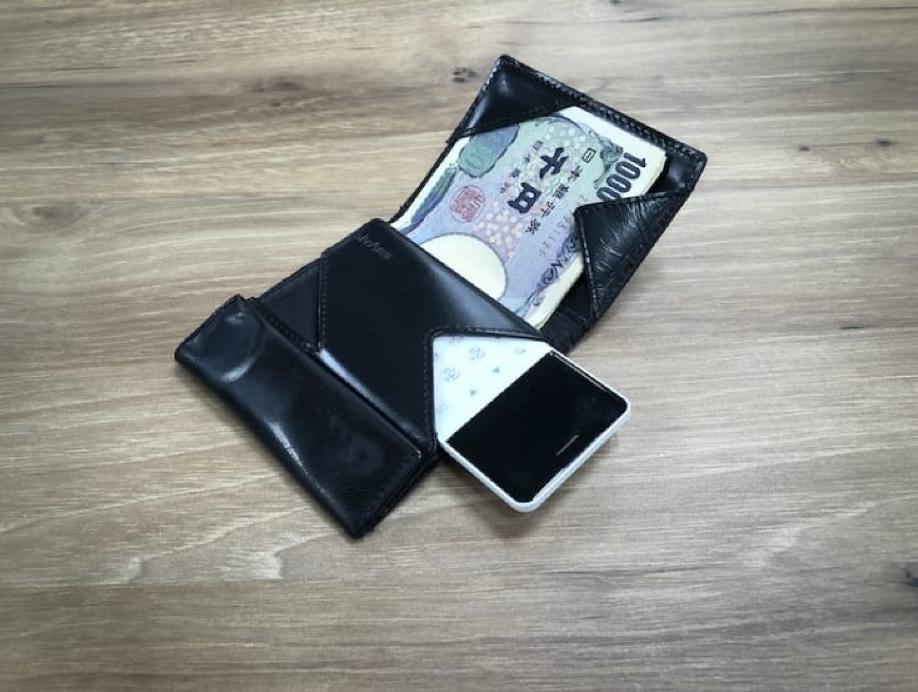 Японцами выпущен смартфон величиной скредитную карту NichePhone-S