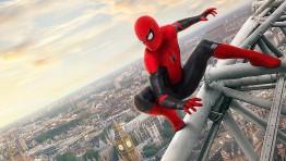 """Парочка кадров с распылёнными персонажами из фильма """"Человек-паук: Вдали от дома"""""""