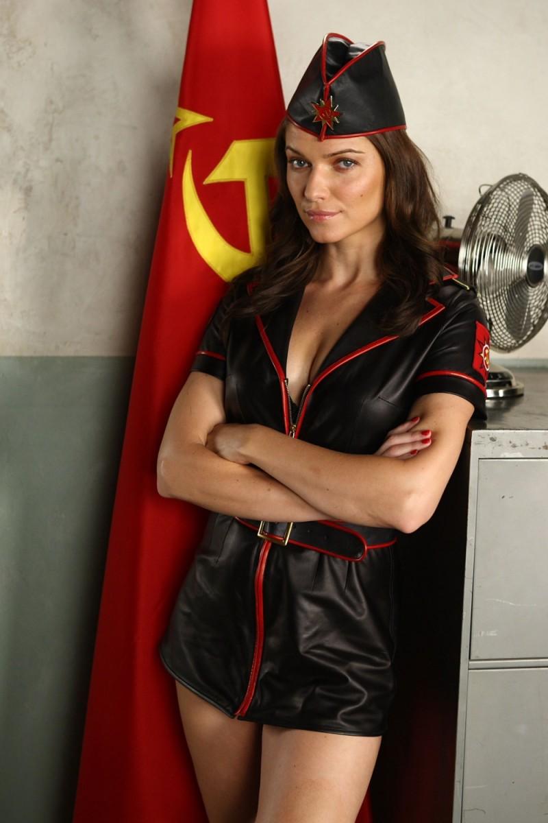 Ивана Миличевич, кадр из Red Alert 3