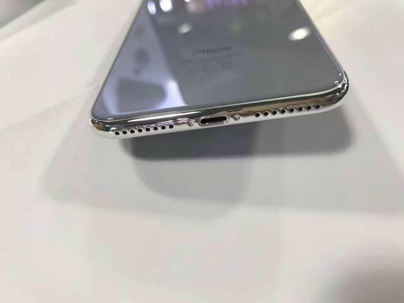 IPhone 8 вчехле показали нафото— вечный  дисплей