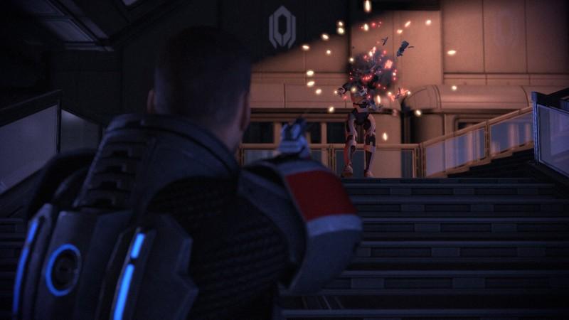 Сравнительные скриншоты оригинальной Mass Effect и Legendary Edition