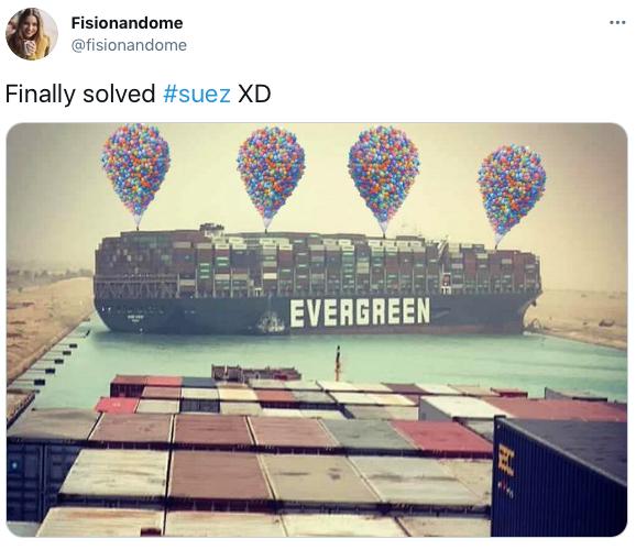 Художник сделал игру о застрявшем в Суэцком канале корабле