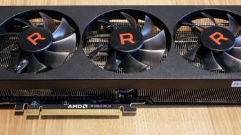 Изучаем снимки необычного прототипа Radeon RX Vega 06